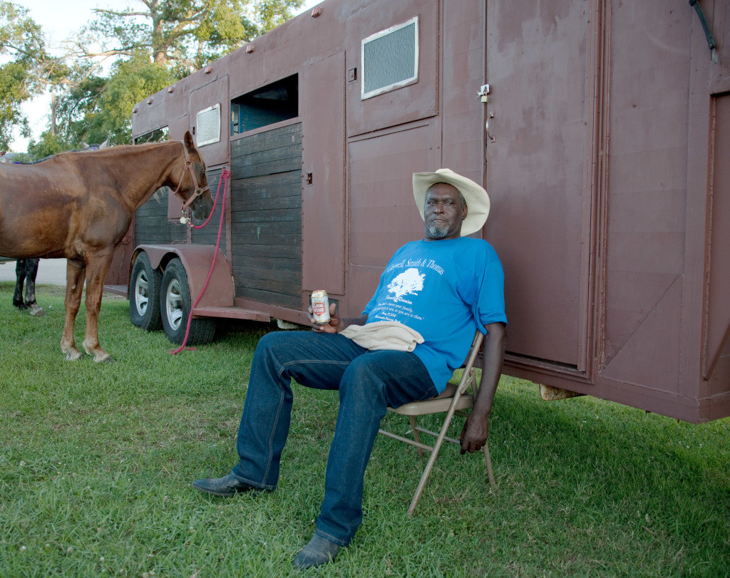 BC.Relaxing-Man-Juneteenth-Trail-Ride-Lil-Henry's-Place-Beaumont-TX.8x10-1024x811